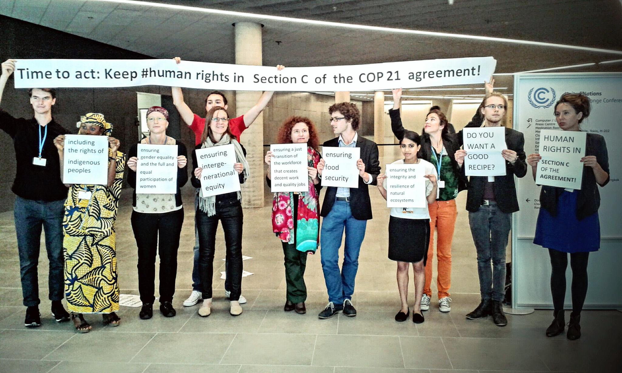 La società civile supporta la presenza dei diritti umani nel testo - (C) Anton Jaekel